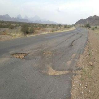 طريق قرن مُخلد في #بارق شاهد على تجاهل الجهات الخدمية له