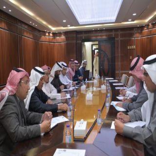 إحتماع لجامعة الملك خالد وإدارة المرور وغرفة أبها لبحث إنشاء أكاديمية لتعليم القيادة بعسير