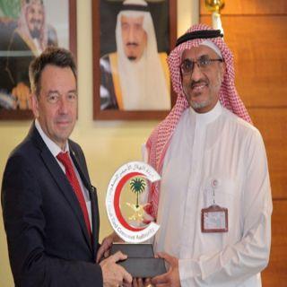 في لقائه رئيس هيئة الهلال الأحمر رئيس اللجنة الدولية يشيد بمبادرة قوات التحالف العربي