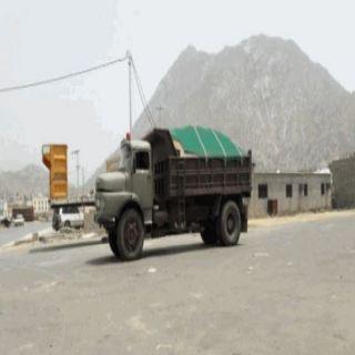 نهل الرمال في #بارق ..إستثمار خفي بأيادي عمالة وافدة