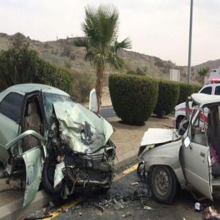 حادث تصادم بطريق الطائف يُخلف وفاتين وإصابة آخر بكسور