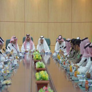 وكيل مُحافظة #بارق يترأس إجتماع أعضاء مجلس الغرفة التجارية الصناعية في زيارتهم المُحافظة