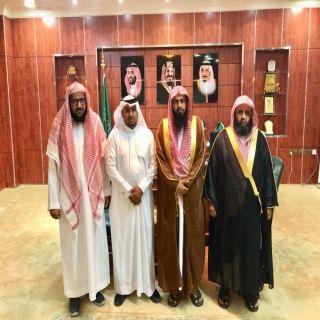 رئيس بلدية #بارق يستقبل في مكتبه عضوي الدعوة و الإرشاد بمنطقة عسير