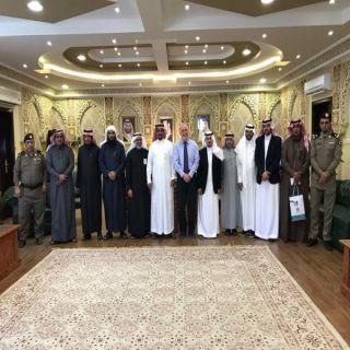 مُحافظ المندق يستقبل أمين عام المجلس التنسيقي للجمعيات الخيرية في #الباحة