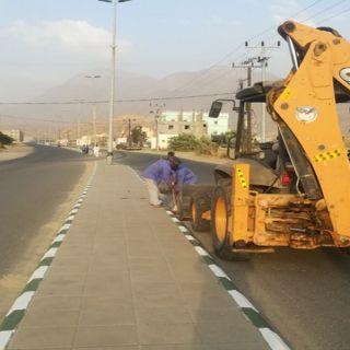 """بتوجيه من رئيس بلدية  #بارق """"العمري"""" نعمل على الحد من التشوه البصري في ثلوث المنظر"""