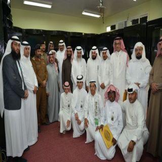 مدير #تعليم_النماص يرعى حفل تكريم المتفوقين ويفتتح المركز البحثي بثانوية الملك عبدالعزيز
