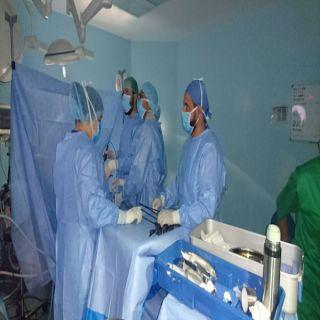 فريق طبي بـ #بللحمر العام ينجح في إستئصال ورم ليفي من فتاة عشرينية