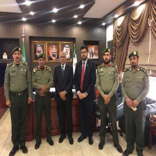 مدير جوازات عسير وسفير افغانستان يبحثان أوضاع الجالية الأفغانية في عسير