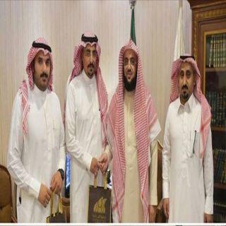 مدير إدارة الملاحظ في أبها يزور جمعية البر بعسير