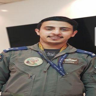 """المُلازم أول طيار """"الأحمري"""" يتلقى خطاب شكر قائد القوات المشتركة"""