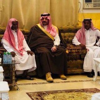 بالصور -نائب أمير عسير ينقل تعازي القيادة لذوي الشهيد البارقي