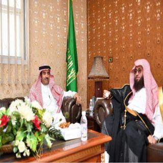 وكيل إمارة الباحة يزور فرع هية المنطقة ويقف على المعرض التوعوي