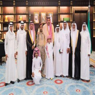 سمو أمير الباحة ينقل تعازي القيادة لذوي الشهيد حكيم العمري
