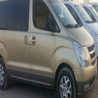 (6) أشهر قائدي وسائل النقل المدرسي الخاصة في #بارق دون رواتب