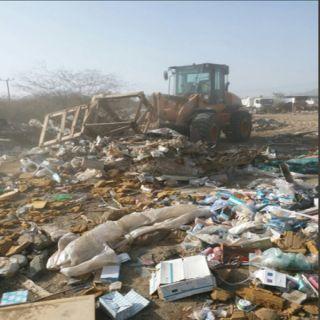 شاهد بلدية #بارق ترفع (10) أطنان مُخلفات من احياء المُحافظة
