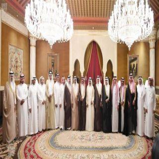 رئيس الوزراء البحريني يستقبل رؤساء تحرير الصحف السعودية