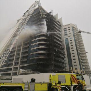 شرطة #دبي تُجلي 180 شخصاً إثر حريق نشب ببرج(ذَا زين)