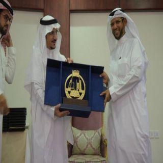 مدير #جامعة_الباحة يكرم الدكتور الشهري بمناسبة انتهاء تكليفه وكيلا للجامعة