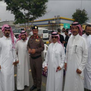 بمُساعدة شرطة المحافظة بلدية #خميس_مشيط تُزيل بسطات مُخالفة