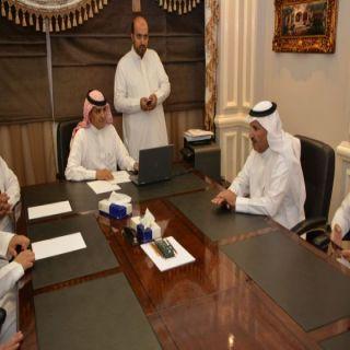 اللجنة السياحية بغرفة أبها تزور مركز الامير سلطان للبحوث والدراسات