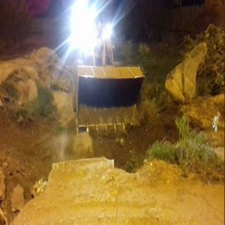 بلدية #بارق تُعيد فتح الطرق والعبارات التي تضررت جراء أمطار المحافظة