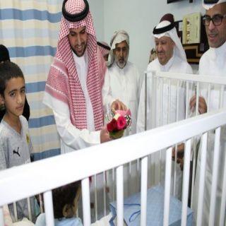 أبناء أمير الباحة يزورون منومي عدداً مستشفيات المنطقة