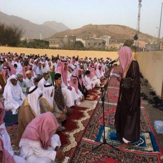 رئيس مركز ثلوث المنظر يؤدي صلاة العيد ويستقبل المهنئين