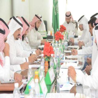 وكيل #محافظة محايل يرأس إجتماع المجلس المحلي