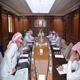 لجنة غرفة أبها تبحث مشاكل مصانع البلك والخرسانة في خميس مشيط