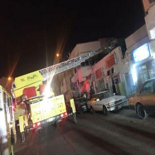 مدني تبوك ينجح في خلاء خمسة محتجزين في حرق شقة سكنية