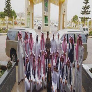 """مدير #جامعة_الملك_خالد يدشن مبادرة """"ارحبوا"""""""