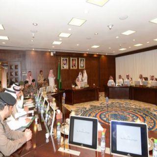 أمير #عسير يستعرض مشاريع وكالة وزارة الداخلية للقدرات الأمنية بالمنطقة