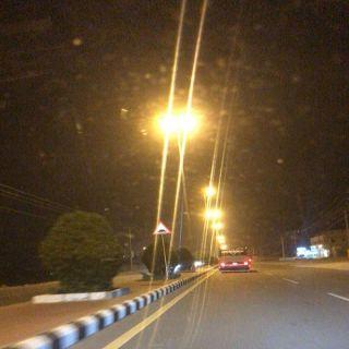 """""""وطنيات"""" ترصد مطبات طريق محايل -بارق وبلدية #محايل ترد"""