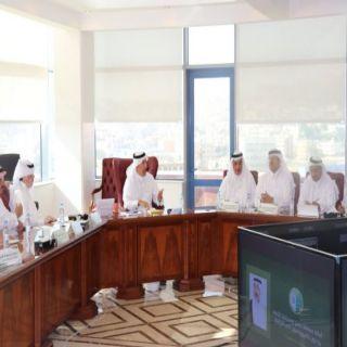 """أمين عسير الدكتور """" الحميدي"""" يعقد إجتماعاً بقيادات الأمانة ويُناقش موضوعات تتعلق بخدمات البلديات"""