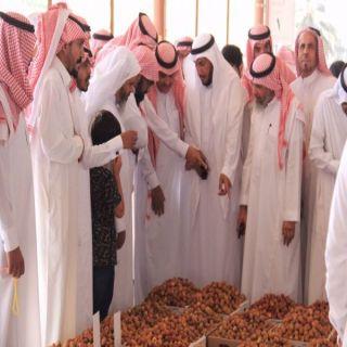 رئيس بلدية #البكيرية يزور مهرجان «تمور المدينة الصحية التاسع»
