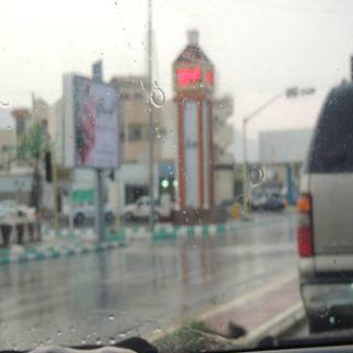 صوت الرعد ولمعة البرق يخطفان التيار الكهربائي عن قرى مُحافظة بارق