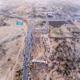 """عدسة المُصور """"علي مروعي"""" ترصد الإقبال الكبير على سوق مواشي #بارق"""