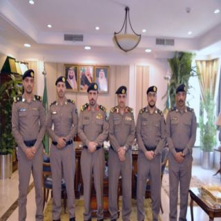 اللواء الشمراني يُقلد عدداً من الضباط رتبهم الجديدة بمدني #تبوك