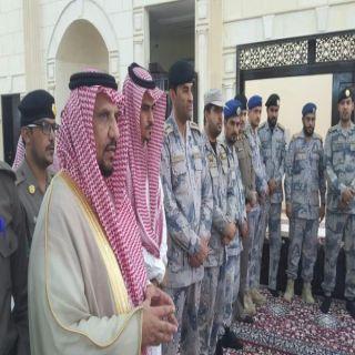 """رئيس مركز القحمة يتقدم مشيعي الشهيد """"المنجحي"""""""