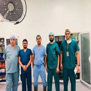 فريق طبي ينجح في إجراء أول عملية منظار للكاحل بعسير المركزي