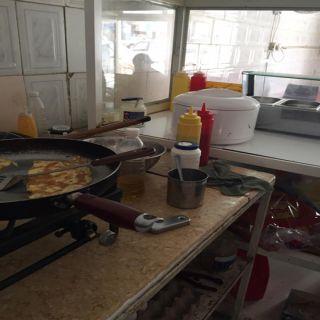 إستمراً لحملة #غذاؤكم_أمانة بلدية بارق تواصل جولاتها في المُحافظة وثلوث المنظر