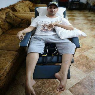 """""""ال خيرات"""" يناشد الجهات المختصة علاج ابنه خارج المملكة"""