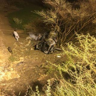 حادثي إنقلاب مُنفصله في #الباحة يُسفران عن إصابتين إحدهُما خطيرة