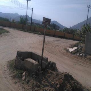 #بارق: أهالي قُرى وادي الخير نقاط توزيع المياه تُعيق سفلتة قُرانا
