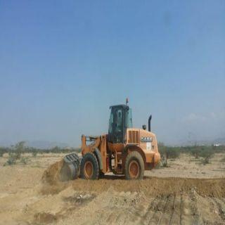 بلدية #بارق ولجنة التعديات تواصل أعمالها وتستعيد 150 ألف م2 في خبت آل حجري