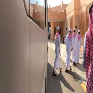 """""""التحالف"""" يُسلم 15 طفلاً مغرر بهم للحكومة الشرعية اليمنية بعد تأهيلهم"""