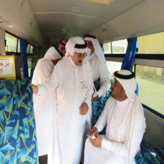 """مدير #تعليم_محايل يدشن مبادرة """" الباص الذكي """" ويعلن تعميمها"""