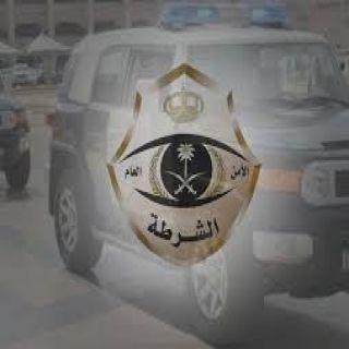 شرطة الرياض الإطاحة بسارقي جيب لكزز تحت تهديد السلاح على طريق الرين