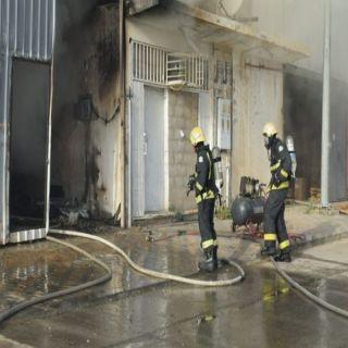 مدني #بريدة يخمد حريق مستودع اثاث جنوب طريق الملك فهد