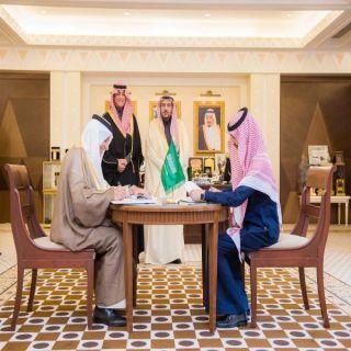 أمير #القصيم يشهد توقيع مذكرة التفاهم بين جائزة جامعة الأمير محمد بن فهد ومجلس شباب المنطقة